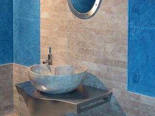 Washbasin in marble Cappuccino, mod. Nautilus CusenzaMarmi Modern bathroom سنگ مرمر Beige