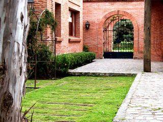 Casa Dodero Aulet & Yaregui Arquitectos Casas modernas: Ideas, imágenes y decoración