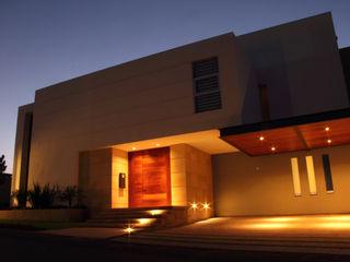 PRIVADA MIRAMAR GRUPO VOLTA Casas modernas