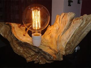 Lampada su radica Dilegno InLegno SoggiornoIlluminazione Legno Effetto legno