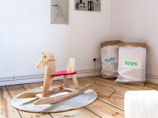Birgit Glatzel Architektin Nursery/kid's roomToys Wood Red