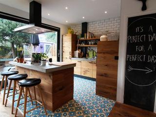 Diego Alonso designs Modern style kitchen
