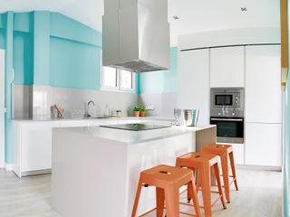 StudioBMK Modern style kitchen