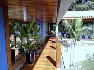 DG Arquitetura + Design Pasillos, vestíbulos y escaleras modernos