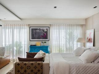 Yamagata Arquitetura BedroomBeds & headboards Cotton White