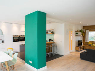 Diego Alonso designs Nhà bếp phong cách hiện đại