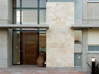 Casa La Colina JV&ARQS Asociados Casas modernas: Ideas, imágenes y decoración