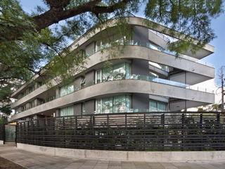 Edificio Las Tipas JV&ARQS Asociados Balcones y terrazas modernos: Ideas, imágenes y decoración