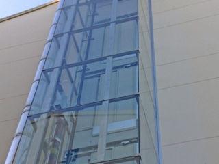 Instalación de ascensores en edificios residenciales Ezcurra e Ouzande arquitectura Casas de estilo moderno