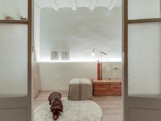 Lara Pujol | Interiorismo & Proyectos de diseño Mediterranean style dressing room