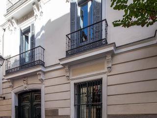 The Sibarist Property & Homes Minimalist houses
