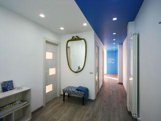 Casa Vacanze in zona Posillipo, Napoli archielle Ingresso, Corridoio & Scale in stile moderno