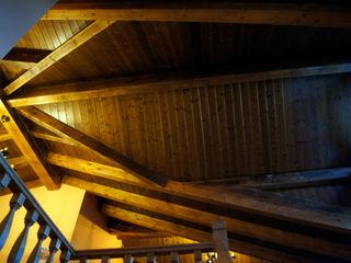panelestudio Pasillos, vestíbulos y escaleras clásicas Madera