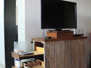 Studio MoMo Modern Living Room
