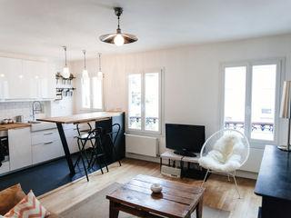 Lise Compain Modern living room