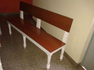 Casa & Stylo, Concordia SalasBancos y sillas