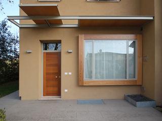 STUDIO DI ARCHITETTURA RAFFIN Modern windows & doors Wood