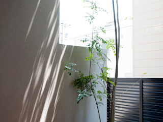 Sakurayama-Architect-Design Eklektyczny balkon, taras i weranda