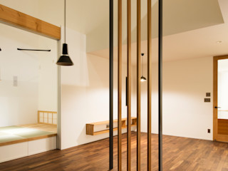 Sakurayama-Architect-Design Eklektyczny salon