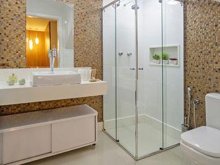 Laura Santos Design Modern style bathrooms