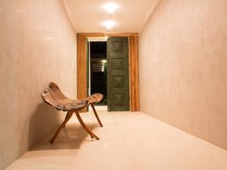 Casa Montenegro LM Arquitetura | Conceito Corredores, halls e escadas modernos