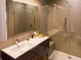 davide pavanello _ spazi forme segni visioni Modern bathroom
