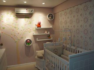 Complementto D Modern nursery/kids room MDF Pink