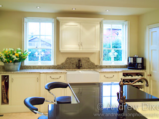 Shutters Andrew Dixon Photography Cocinas de estilo clásico