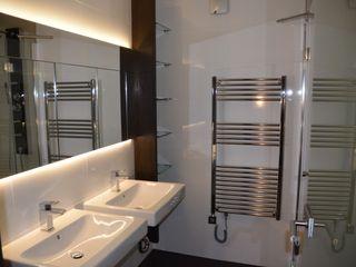Renovierung Fang Interior Design Baños de estilo moderno