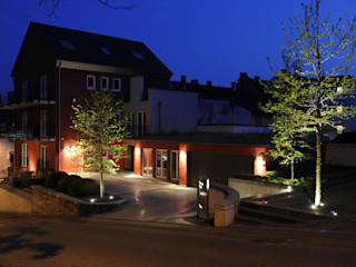 Büroeingang dirlenbach - garten mit stil Klassische Bürogebäude