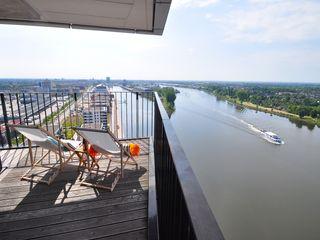 Home Staging einer Maisonette-Wohnung in bester Weser-Lage Karin Armbrust - Home Staging Moderner Balkon, Veranda & Terrasse