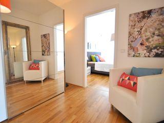 Alte Musterwohnung aufgepeppt Karin Armbrust - Home Staging Moderne Ankleidezimmer