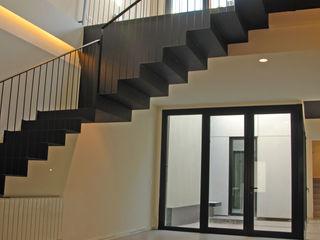 4+1 arquitectes Modern Dining Room