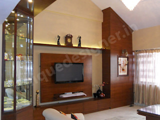 Mr. Patkar UNIQUE DESIGNERS & ARCHITECTS Modern living room