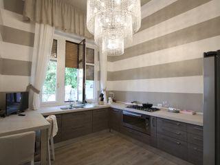 Gloria Chindamo Ingegnere Architetto Classic style kitchen Wood Beige