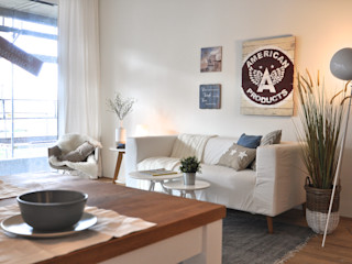 Maritime Musterwohnung Karin Armbrust - Home Staging Moderne Wohnzimmer