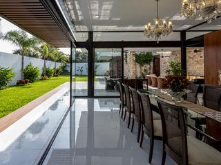 P11 ARQUITECTOS Modern Dining Room