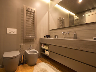 studiodonizelli Moderne Badezimmer Marmor Grau