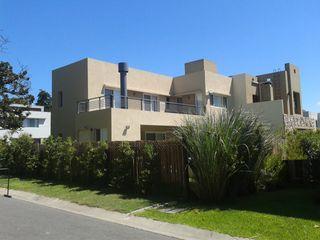 Family Houses Minimalist house
