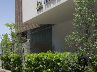 一級建築士事務所アールタイプ Office buildings White