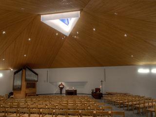 Katholische Kirche St. Michael . Uitikon-Waldegg nachtaktiv GmbH Moderne Veranstaltungsorte