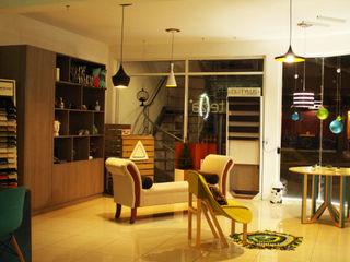 Diseñeria 72ocho10 Negozi & Locali Commerciali Legno massello Effetto legno