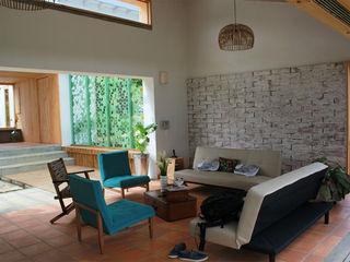 Casa Copacabana interior137 arquitectos Salas modernas