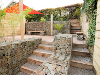 Small Garden with a Very Steep Slope Yorkshire Gardens Modern Bahçe