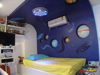 Luciana Sampaio Fernandes Complementto D モダンデザインの 子供部屋