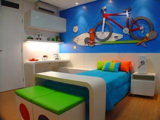 Eliane de Souza Monteiro Complementto D モダンデザインの 子供部屋