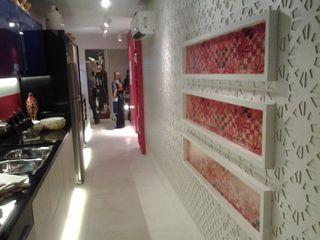 Projeto Complementto D モダンスタイルの 玄関&廊下&階段