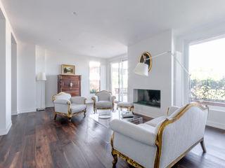 Progetti STUDIO DI ARCHITETTURA CATALDI MADONNA Classic style living room