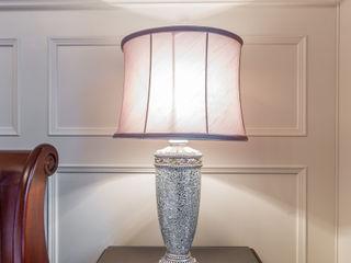 Luxury Bedroom design Designer Kitchen by Morgan Dormitorios clásicos