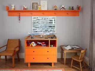 Bruna Riscali Arquitetura e Design Modern style bedroom